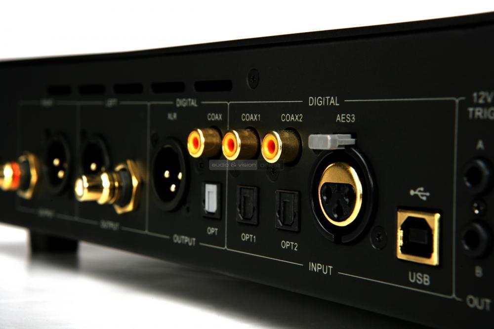 audiolab-8300a-integralt-sztereo-erosito-es-8300cd-cd-lejatszo-teszt-csatlakozo