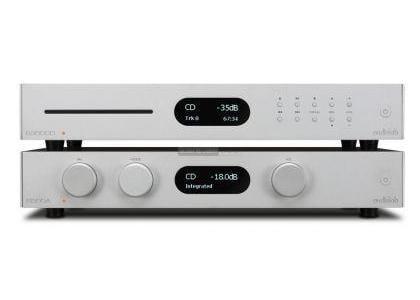 audiolab-8300a-integralt-sztereo-erosito-es-8300cd-cd-lejatszo-teszt-front
