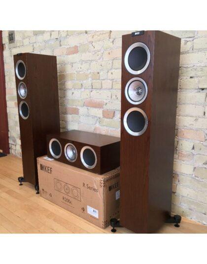 KEF R500 5.0 házimozi hangfalszett dió színben