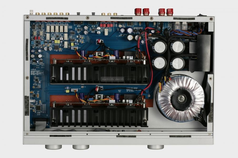 audiolab-8300a-integralt-sztereo-erosito-es-8300cd-cd-lejatszo-teszt-trafo