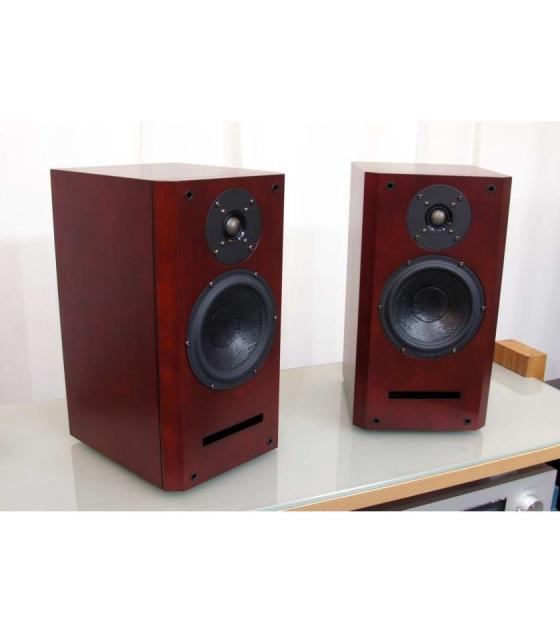 Usher Audio V-601 Audiophile polcsugárzo cseresznye